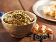 Рецепта Млечен патладжанов дип (пастет, разядка) с ядки кашу и цедено кисело мляко